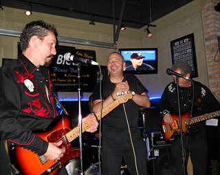 Blues and boogie at Busters with the Myers Brothers Blues Band